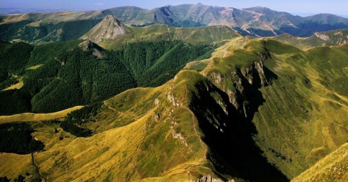 Photo du site touristique du Puy Mary au coeur du volcan Illustration département du Cantal 15 BGE Sud-Ouest
