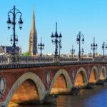 Photo du pont architectural et emblématique de Bordeaux Illustration département de la Gironde 33 BGE Sud-Ouest